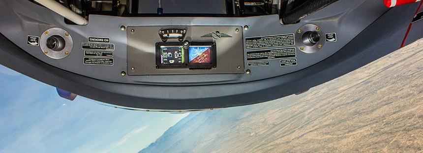 Extra300L-Cockpit-APS-2014-2
